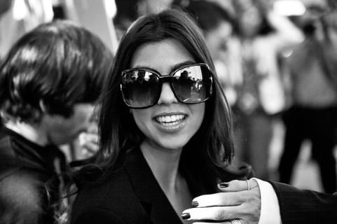 Kourtney-kardashian-elias-black-and-white-photo-481x320